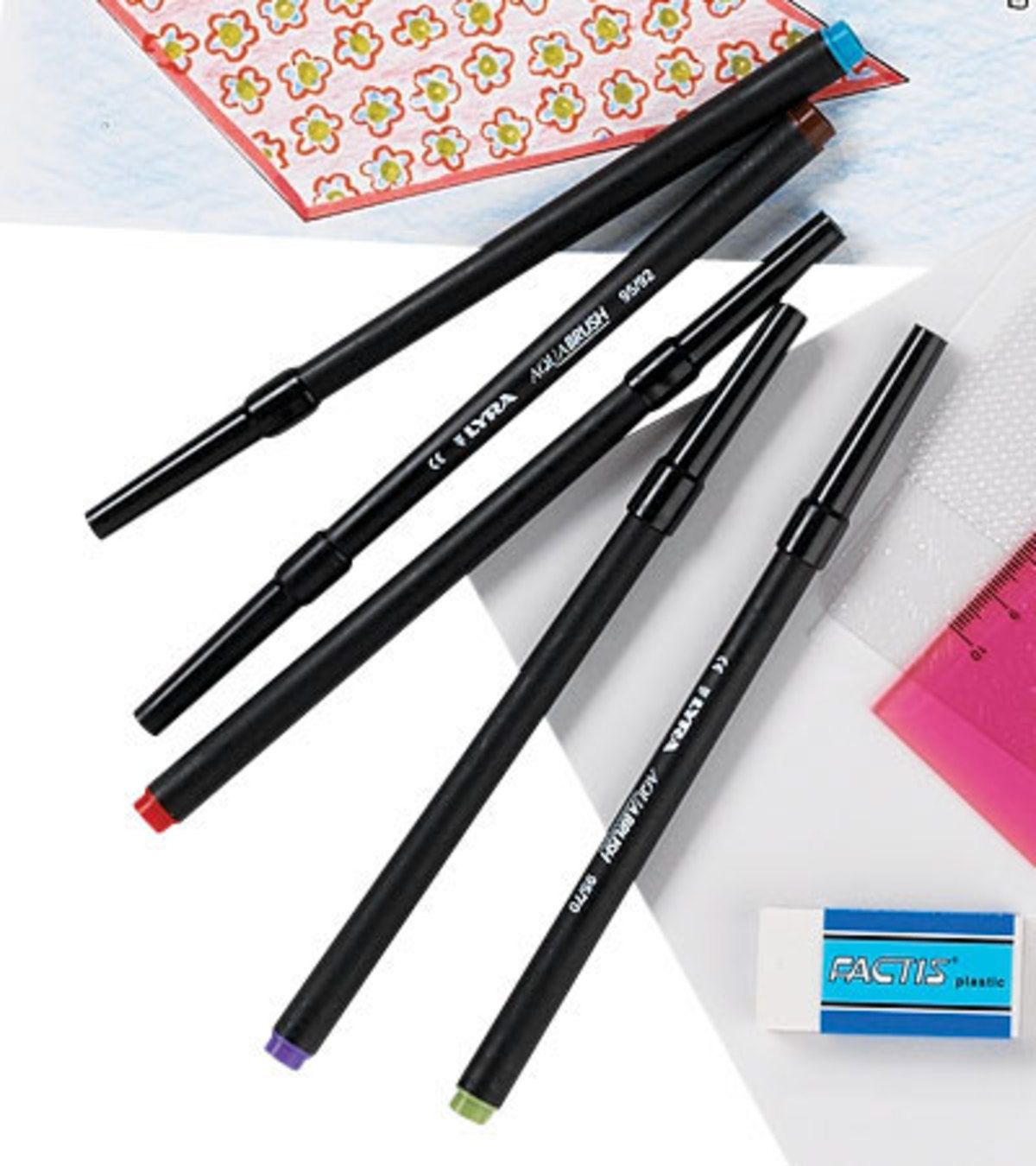 Set of 12 Brush Markers with Paintbrush Tips