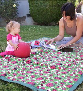 "54""x84"" Machine Washable Durable Water-Resistant Nylon Blanket with Polyester Batting and Carrying Bag - Dots"