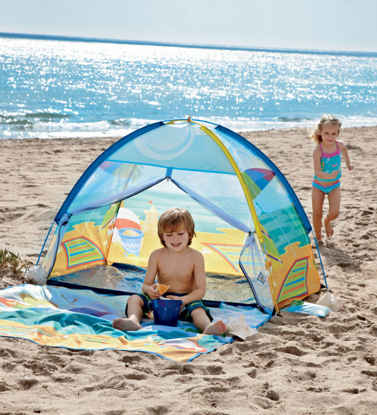 Easy-Set-Up Mesh Front Beach Cabana with Carrying Case