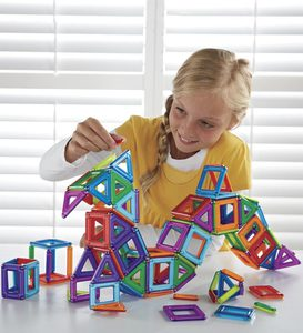 Magnetic PowerClix 18-Piece Creative Construction Set