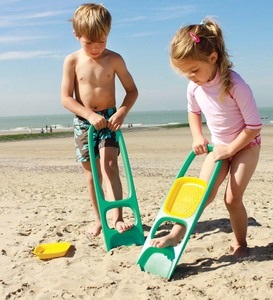 Quut Scoppi Sand Scoop Beach Toy