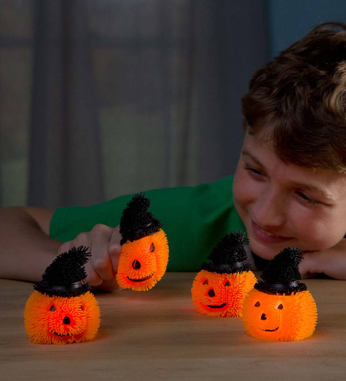 Light-Up Witch Jack-o'-Lanterns