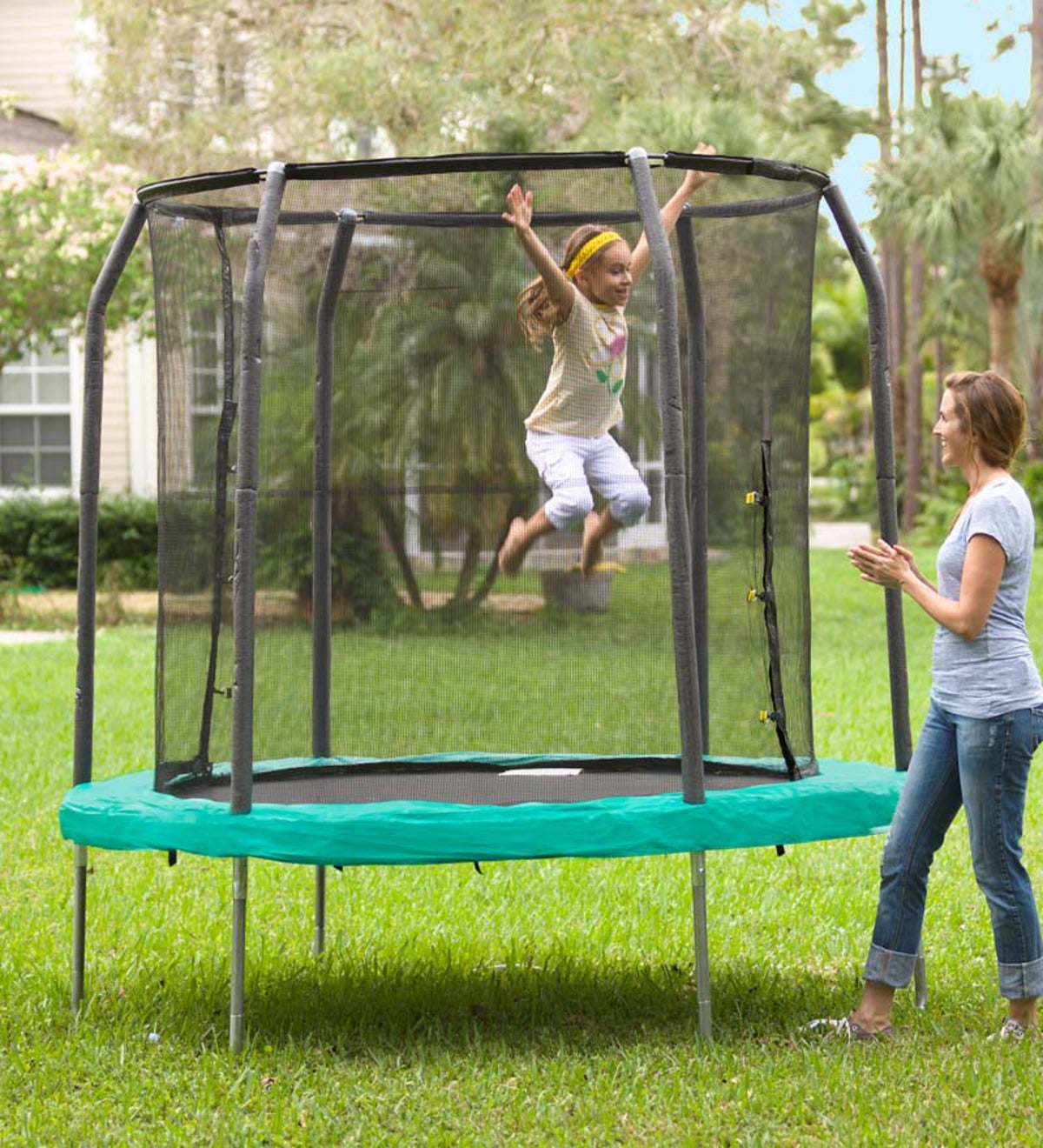 Jump Pod Trampoline and Enclosure
