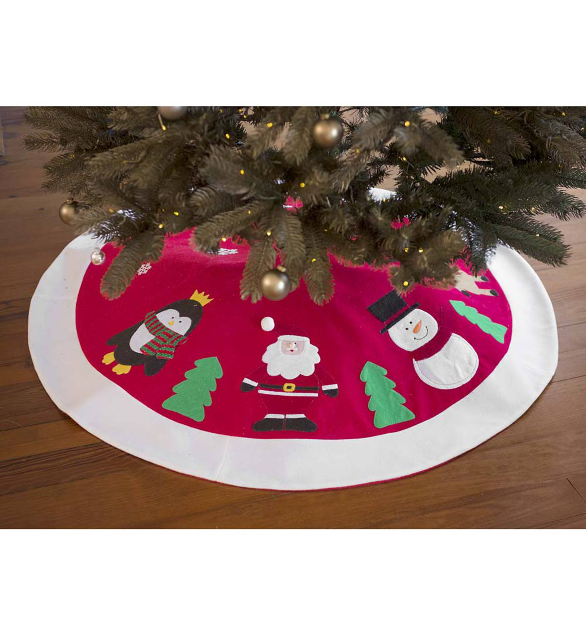 Holiday Friends Tree Skirt