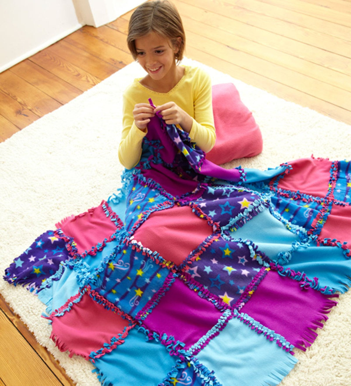Fleece Starry Sky Knot-A-Quilt No Sew Craft Kit