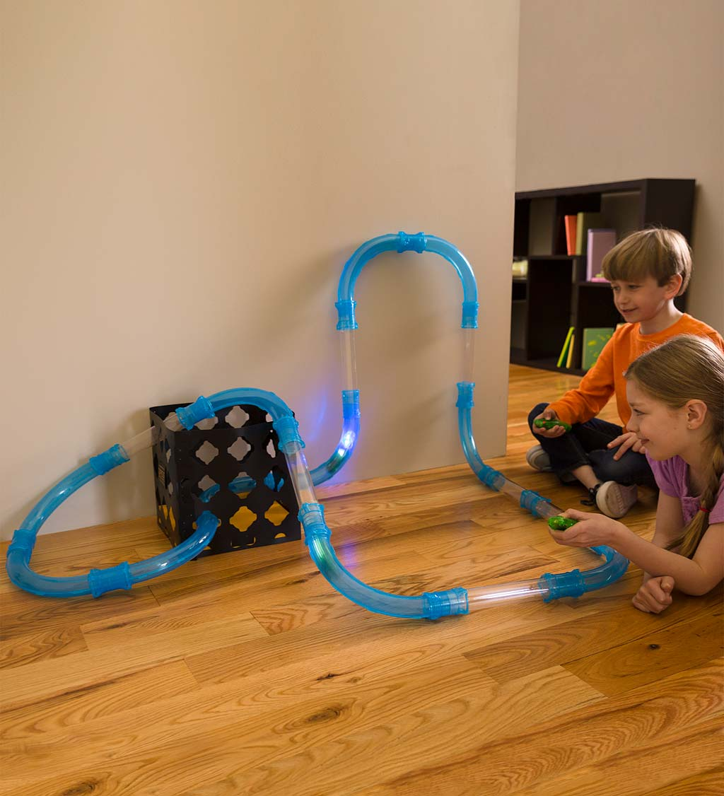Speed Pipes Racecourse Set With Remote-Control Light-Up Vehicles